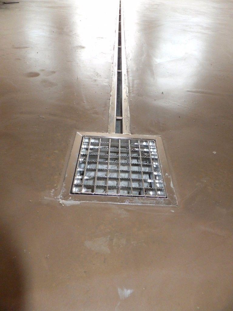Entwässerung in Membranschicht